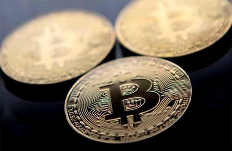 Bitcoin prepara volta aos R$ 77.000; altcoins seguem em queda