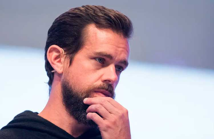 CEO do Twitter compra R$ 280 milhões em Bitcoin após críticas
