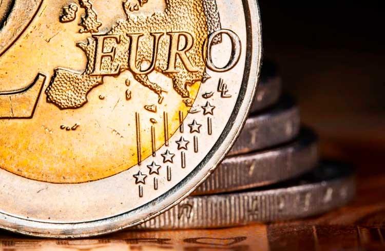 """União Europeia planeja euro digital para se proteger de """"criptomoedas estrangeiras"""""""