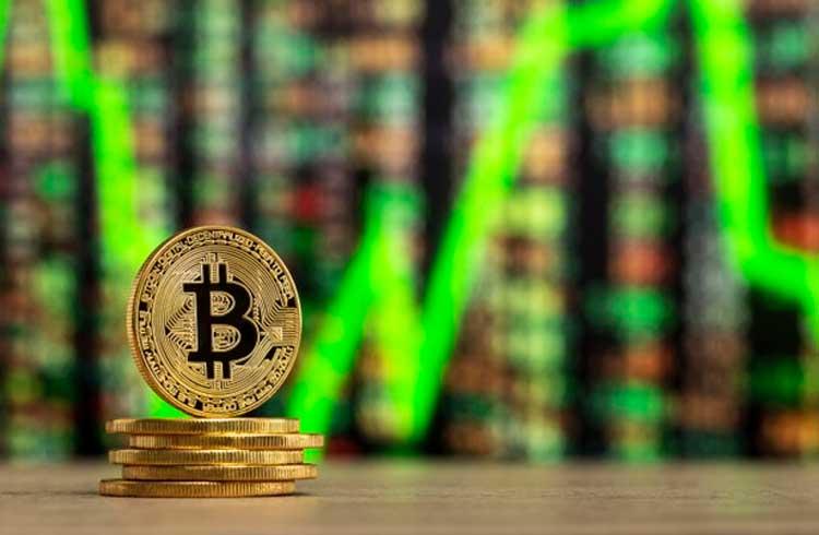 Bitcoin tende a valorizar em novembro, revelam dados
