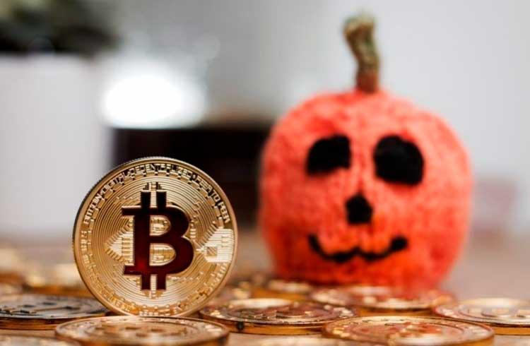 Homem distribui Bitcoin para crianças no Halloween