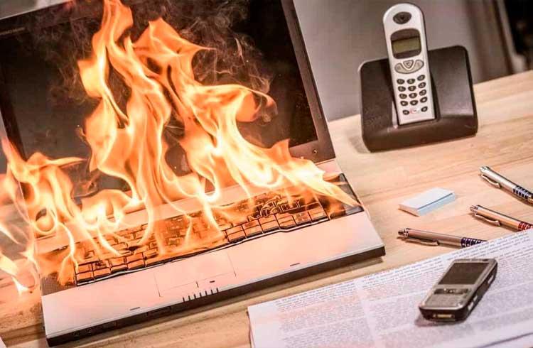 Incêndio queima carteira de criptomoedas e seeds de investidor