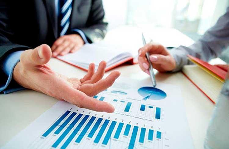 Analista recomenda 5 criptomoedas para investir em dezembro