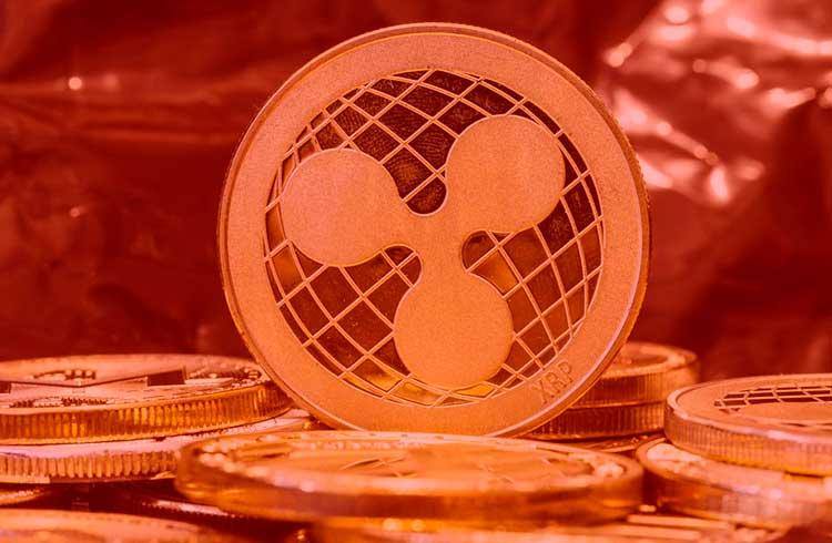 Bitcoin próximo dos R$ 121 mil e XRP perde 15%