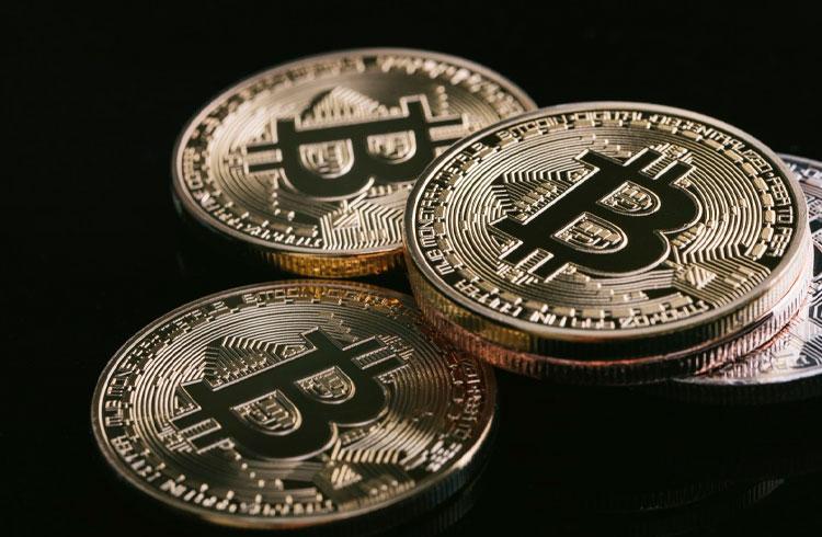 1.000 Bitcoins da era Satoshi foram movidos em 20 transações