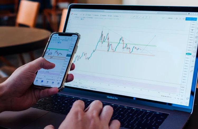 Bilionário indica criptomoeda com potencial para valorizar