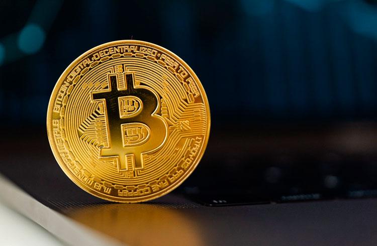 Bitcoin fará com bancos o que YouTube fez com vídeos, diz bilionário
