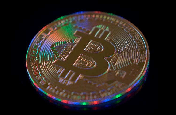 Bitcoin pode atingir US$ 100.000 ainda em 2021? Veja o que fazer, segundo especialista