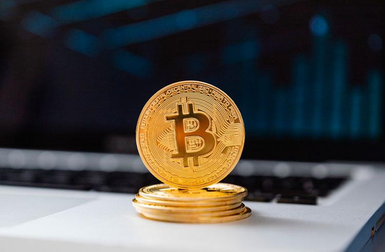 Bitcoin recua aos R$ 173.000, mas uma criptomoeda valoriza 14%