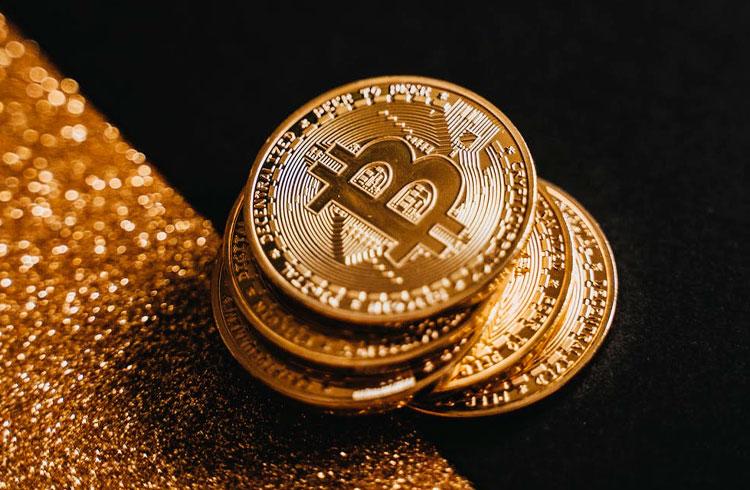 """Bitcoin respeita o """"compre na baixa, venda na alta""""? Analista diz que não"""