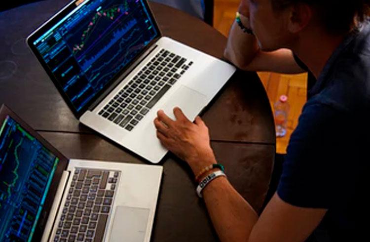 Debate Descentralizado: trade alavancado, sorte ou técnica?