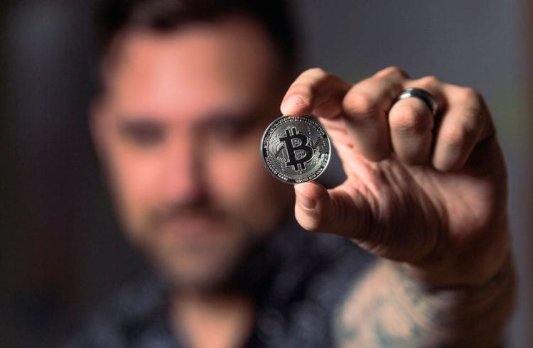 Há 10 anos, nascia o primeiro mercado a aceitar Bitcoin: a Silk Road