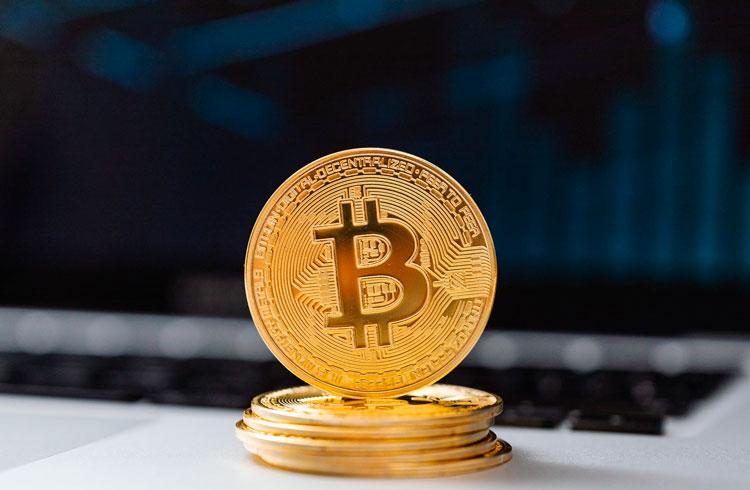 Rockfellers no Bitcoin? BlackRock mira contratos futuros de BTC