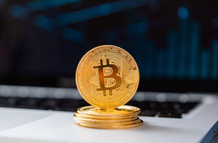 Trump proíbe apps de pagamento chineses; Bitcoin se favorece?