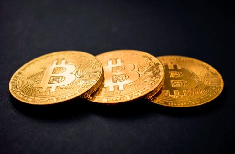 Autoridade diz: Bitcoin é rival de ouro, mas não do dólar