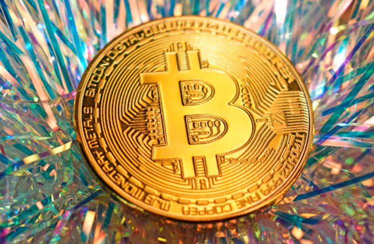 Bitcoin passará de R$ 450.000 em abril, afirma analista de mercado