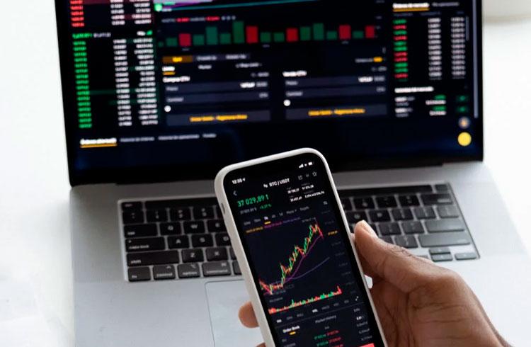 4 criptomoedas que podem subir até 70% em breve, segundo analistas