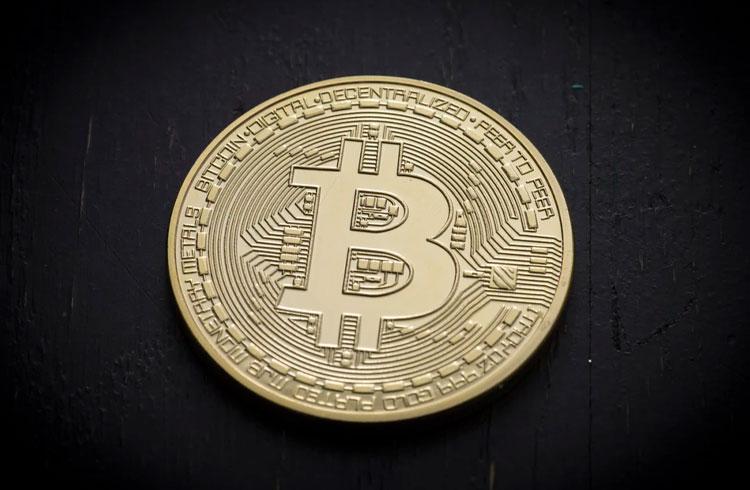 Bitcoin tenta rompimento dos US$ 60 mil e criptomoedas disparam