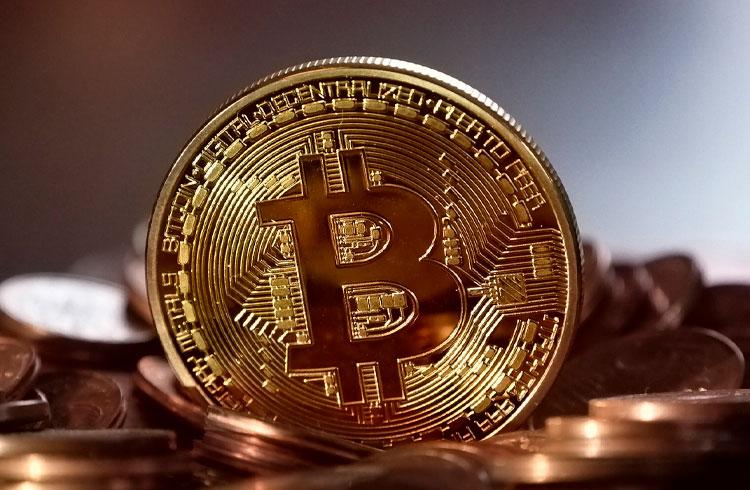 Como a alta da Selic impacta o investimento em Bitcoin no Brasil?