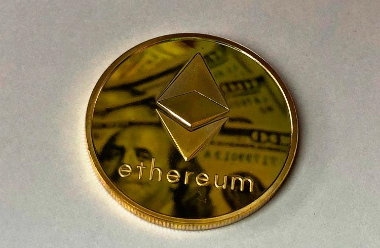 Ethereum pode chegar a US$ 2 mil em breve, afirma analista
