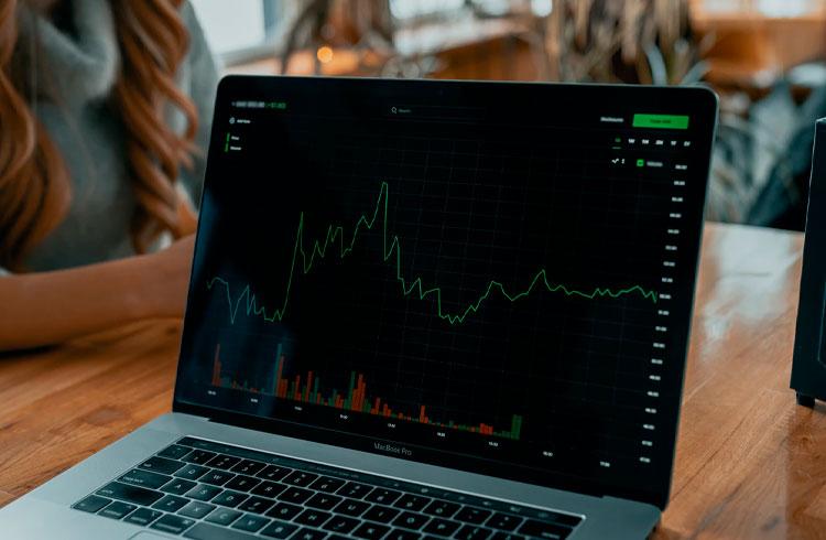 Trader brasileiro lucra 1.000.000% em 4 anos e perde para criptomoedas