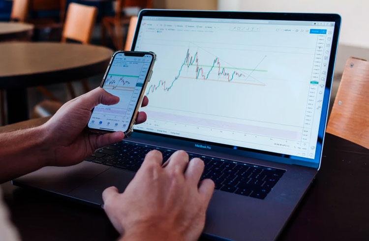 5 criptomoedas para lucrar mesmo durante a queda do Bitcoin