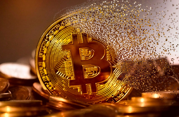 Banho de sangue: Bitcoin volta aos R$ 270.000 e criptomoedas derretem