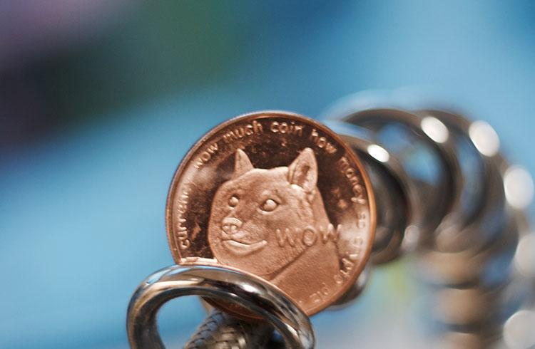 Bilionário promove Dogecoin em grande programa de TV