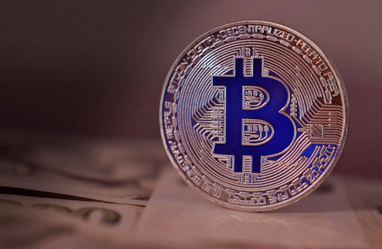 Bitcoin se recupera e criptomoedas voltam à forte alta