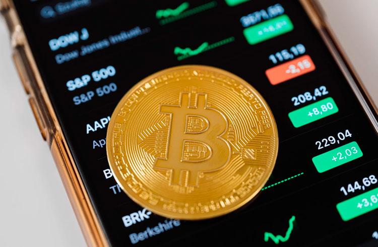 Bitcoin tem abril mais fraco da história, mas maio pode ser muito bom