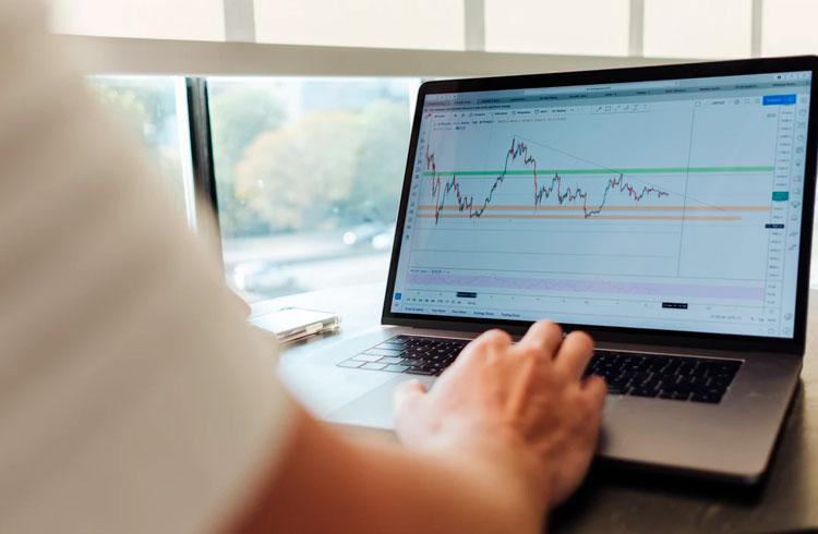 Criptomoedas listadas na Coinbase geram ganho médio de 91% em 5 dias