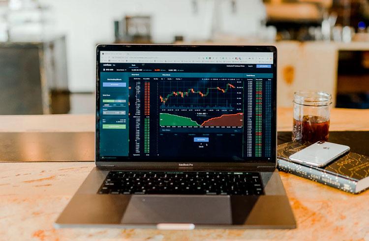 Dois tokens e um NFT para lucrar em breve, segundo trader