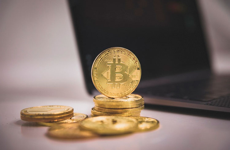Pressão na SEC: ETF de Bitcoin bomba no Canadá e vira exemplo