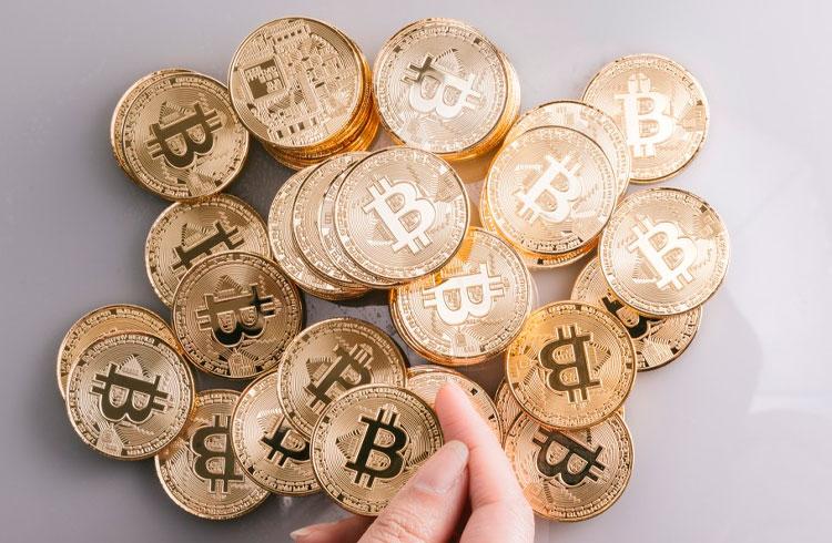Rede de fast food vai dar Bitcoin de graça aos clientes