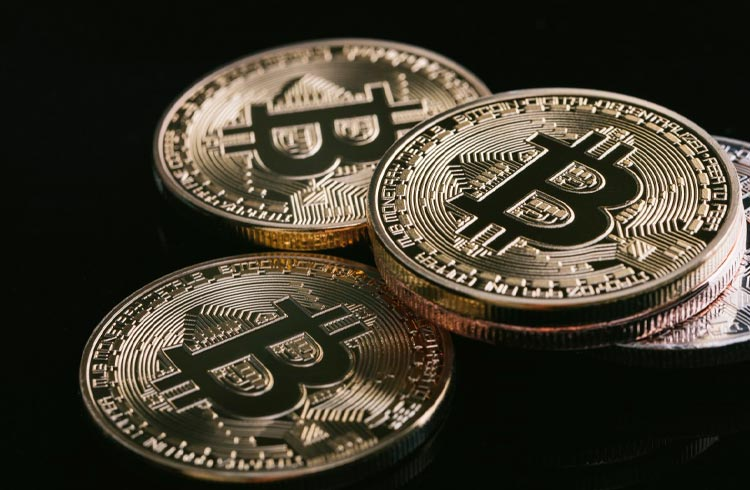 Bitcoin exibe sinais de baixa preocupantes, diz Felipe Escudero