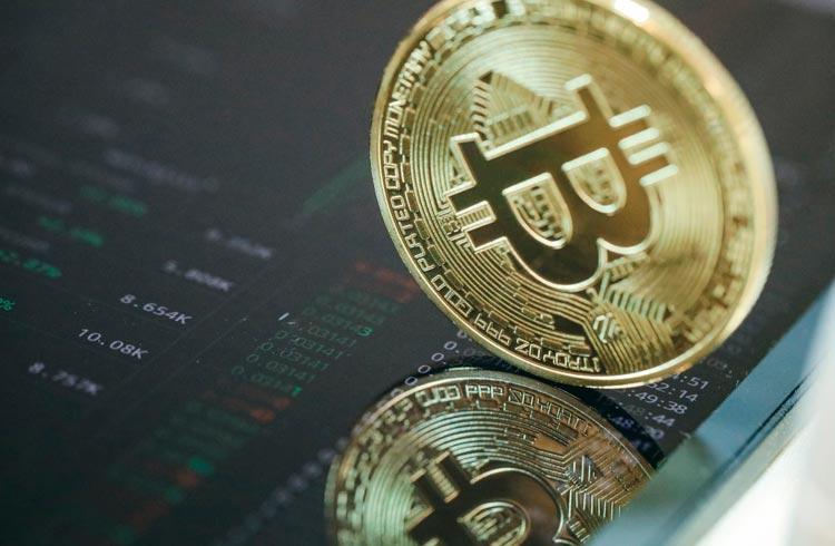 Bitcoin mostra reação enquanto criptomoedas valorizam 2 dígitos