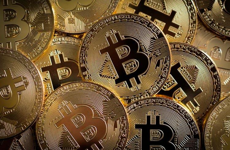 Empresa de tecnologia revela investimento de R$ 2,6 milhões em Bitcoin
