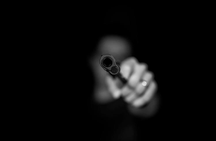 Empresário de criptomoedas é assassinado na entrada de motel