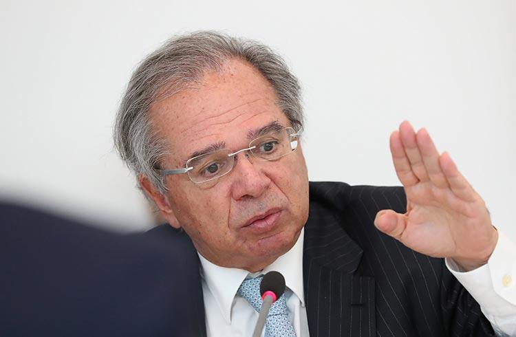 """Guedes desiste da """"nova CPMF"""", que afetaria criptomoedas"""