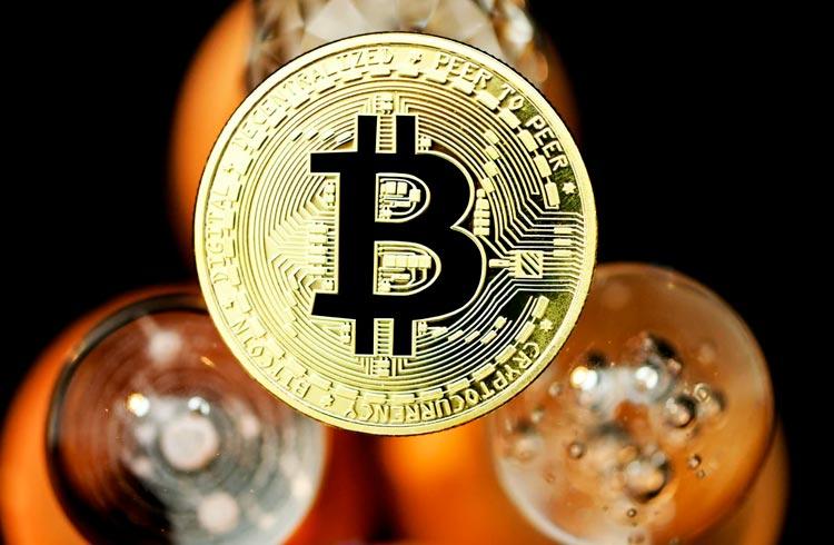 Bitcoin despenca abaixo US$ 37.000 e analistas explicam possíveis cenários