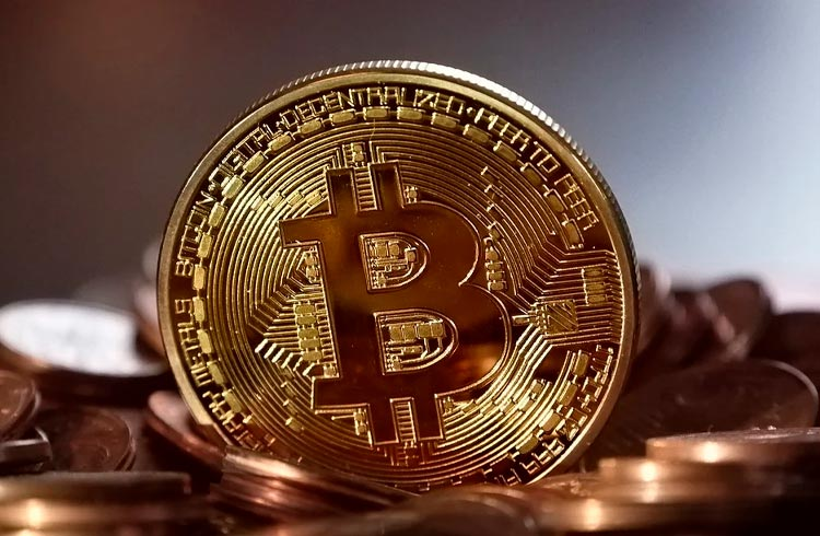 Bitcoin e demais criptomoedas operam em alta nesta segunda-feira