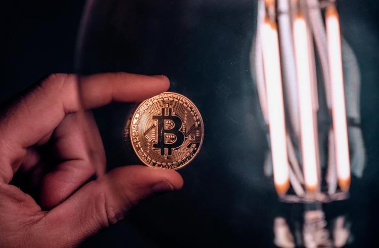 Bitcoin em El Salvador e mineração na China: saiba tudo com um podcast