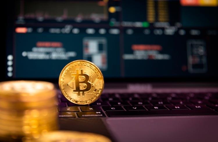 Bitcoin volta aos US$ 32.000 e Ethereum fica abaixo de US$ 2.000