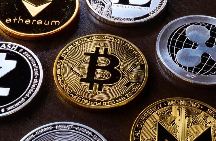 Dogecoin dispara 32%, Bitcoin e Ethereum ainda valorizando