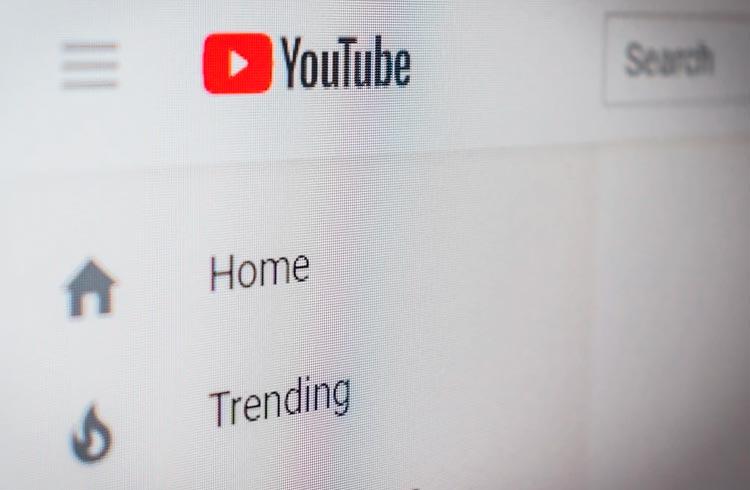 Falar sobre criptomoedas no YouTube dá dinheiro?
