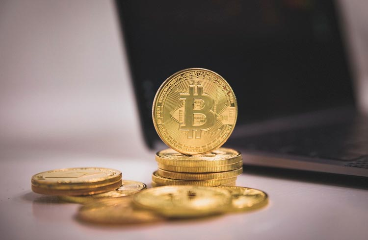"""Governos farão o Bitcoin cair ainda mais, diz autor de """"Pai Rico, Pai Pobre"""""""
