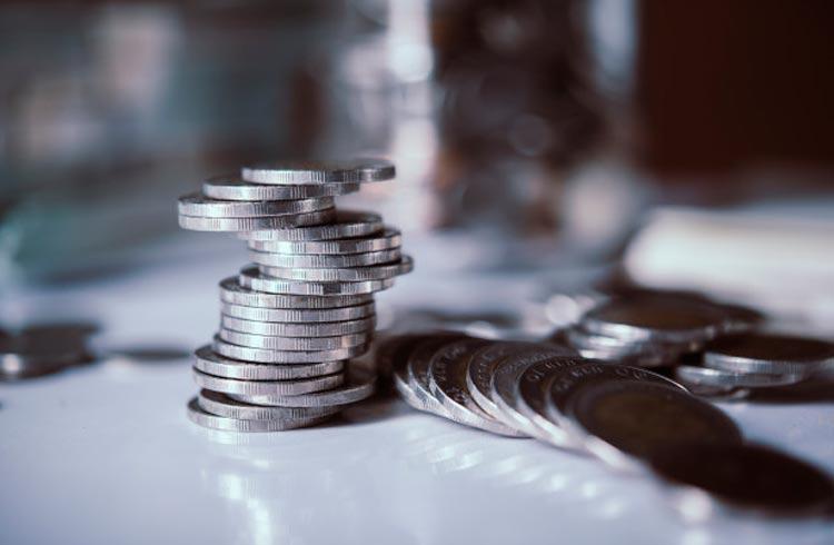 Investidor saca dinheiro do banco e substitui por stablecoins