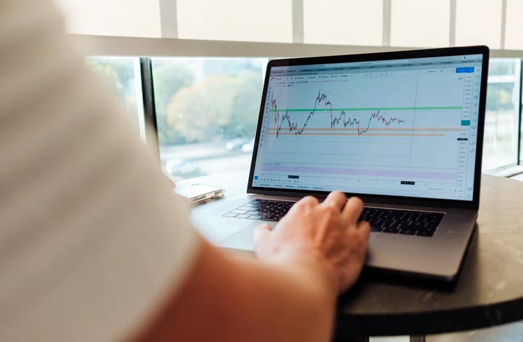 Investir em ações da Oi ainda é uma boa após leilões de ativos?