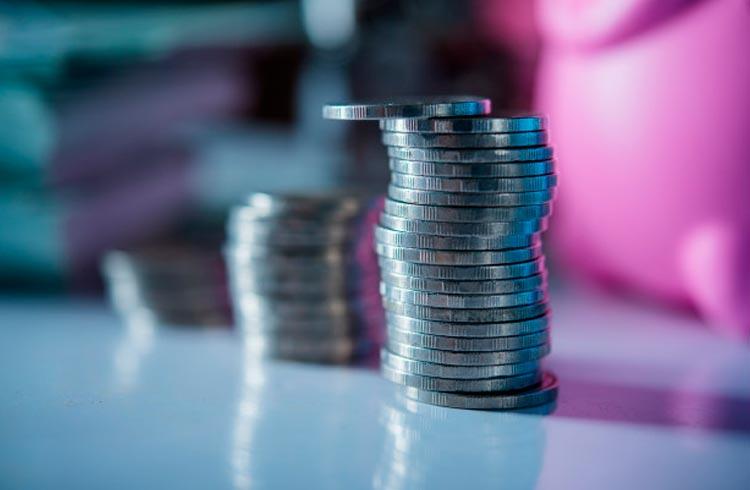 Mercado de criptomoedas ameaça romper fundo, mas se recupera