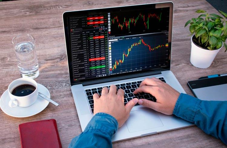 Trader lista 5 tokens promissores que custam menos de R$ 5